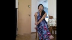 Provoking Nippon Girl Smoking